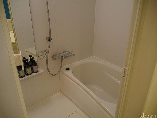 お風呂は洗い場付です!家のお風呂みたいな感じです。