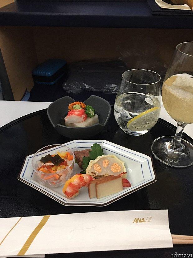 前菜。シャンパンお代わり。😆🥂