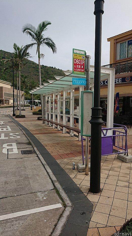 ホテル最寄りのサニーベイ行きのバス停