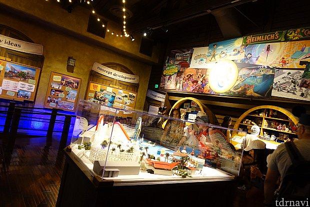 展示ホールは広くはありませんが、模型やパネルで埋め尽くされています。