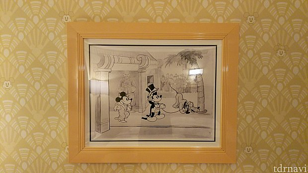 壁にある絵① 詳しくないので知りませんがなぜか中国風な絵ですね。