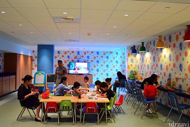 プレイルームの様子!たくさんの子ども達で賑わっていました。