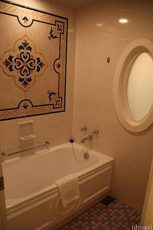 天井に付いたシャワーがミストにできたり抜群です。
