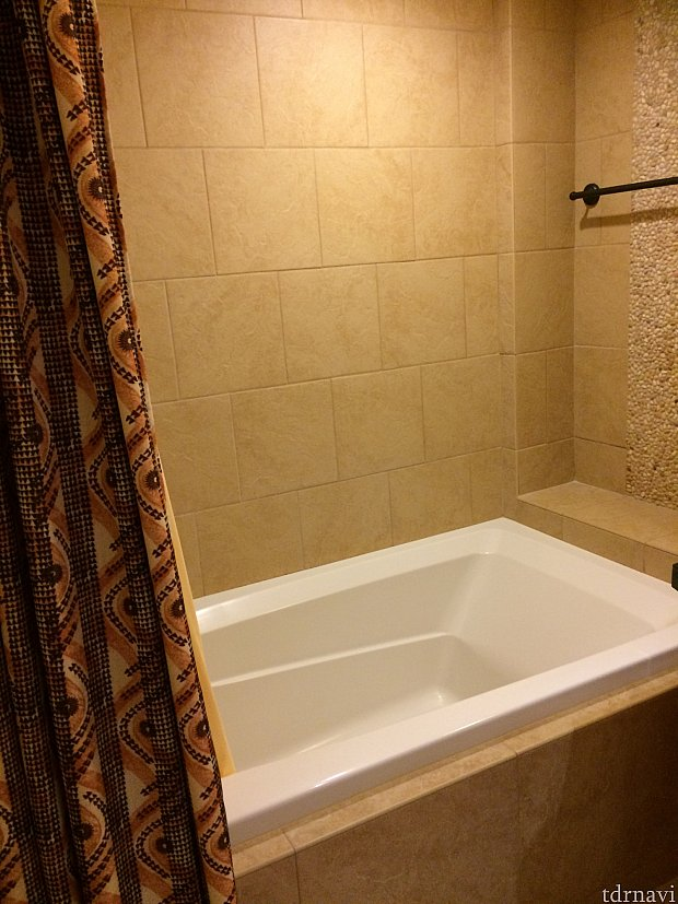 お風呂は広くて溜めて入るのにもよかったです