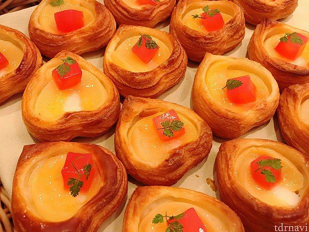 白桃デニッシュ♡ 個人的に超お勧めです☆甘くて優しい酸味の爽やかなパン!