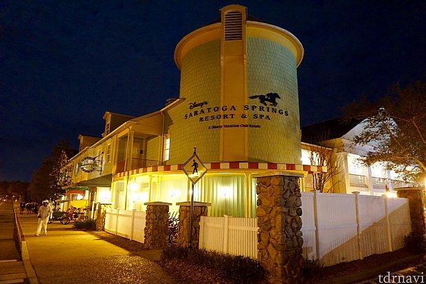 このリゾートはDVC会員用のリゾート。レストランやショップ、リゾート内の探査は会員以外でももちろん可能です。