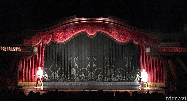 カッコいい劇場。