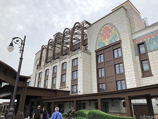 上海ディズニーランドホテルの入り口