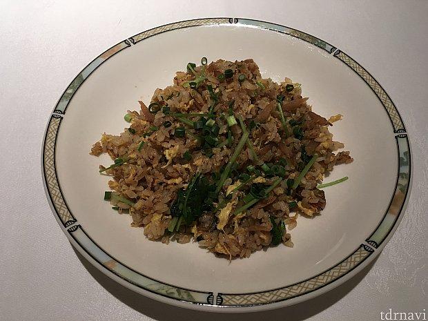 アサリと牛蒡入り生姜風味の炒飯。あっさりしていて食べやすかったです