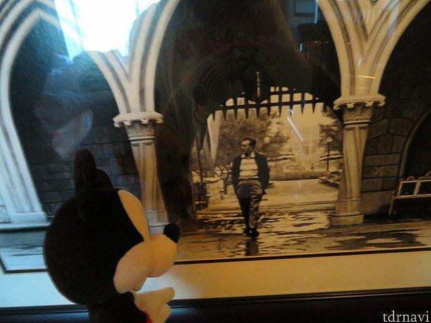お部屋にあったウォルトさんのお写真。