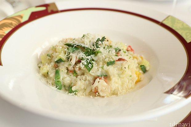 リゾットだけ食べたい!といったらスペシャルメニューを作ってくれました!野菜がふんだんに使ってあって、新鮮な感じでした!