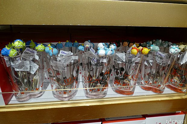 可愛いツムツムのデザートフォークは日本のストアで売ってる物とは少し違ってました!
