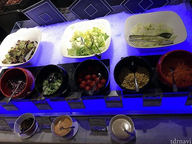 サラダもあります!