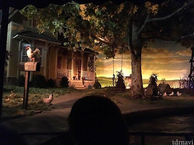 冒頭は栽培の歴史ということで、アメリカの古き良き農家が登場。ちなみにこの部分は「ガーデングリル・レストラン」から覗くことができます!