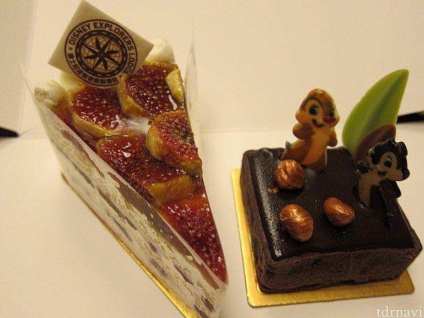 「Disney Explorers Lodge」と書かれたチョコプレートが載ったFig Cream Cake(イチジククリームケーキ)と、チップ&デールのアーモンドチョコレートタルト。