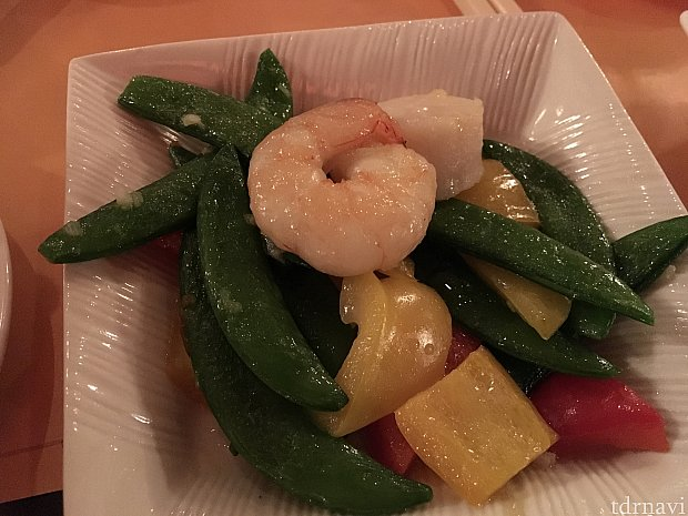 sautéed shrimp & scallop with mixed sweet pepper。もうこれが来る頃には苦しい…!