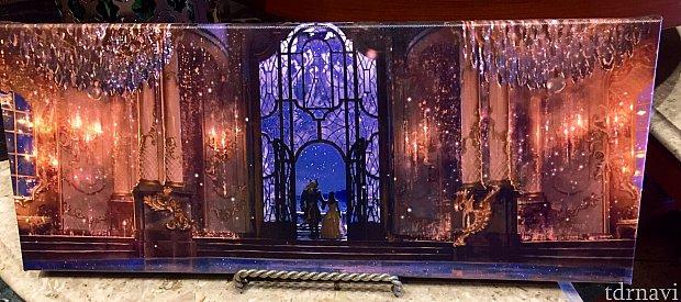 実写版のダンスホールのキャンバスアート。ディテールが細かくて本当に美しいです。
