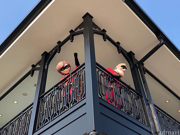 ディズニータウンのレゴショップ2階にインクレディブル夫妻!