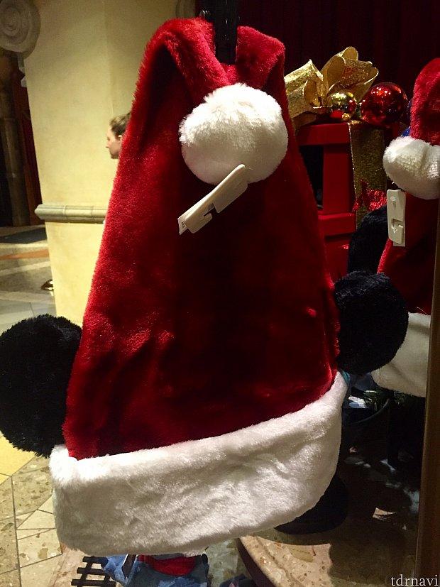 定番のミッキーのクリスマスハット。$24.99。