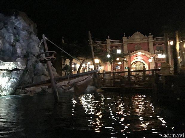 カリブの海賊から見たレストラン