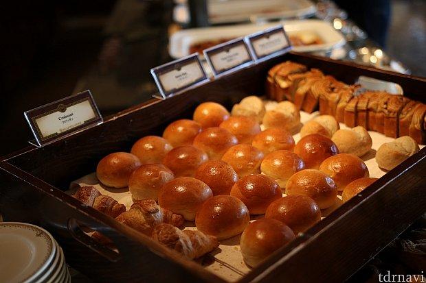 パンも種類が豊富小さくなっているので色々なものを少しづつどうぞ♪