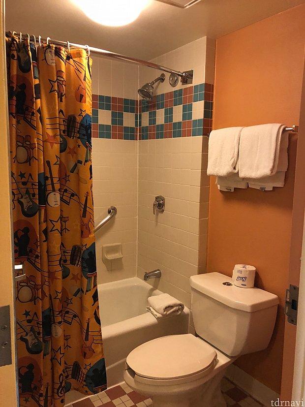 トイレとお風呂が同じ空間でしたが広いのでそこまで苦ではないです。