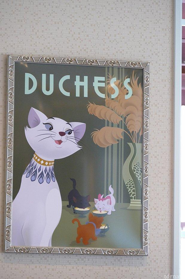 美しいダッチェス!マリーちゃんのお母さん。マリーちゃんばかり注目されてますがダッチェスこそがおしゃれキャットの主人公なんですよ✨凄く素敵なダッチェス!