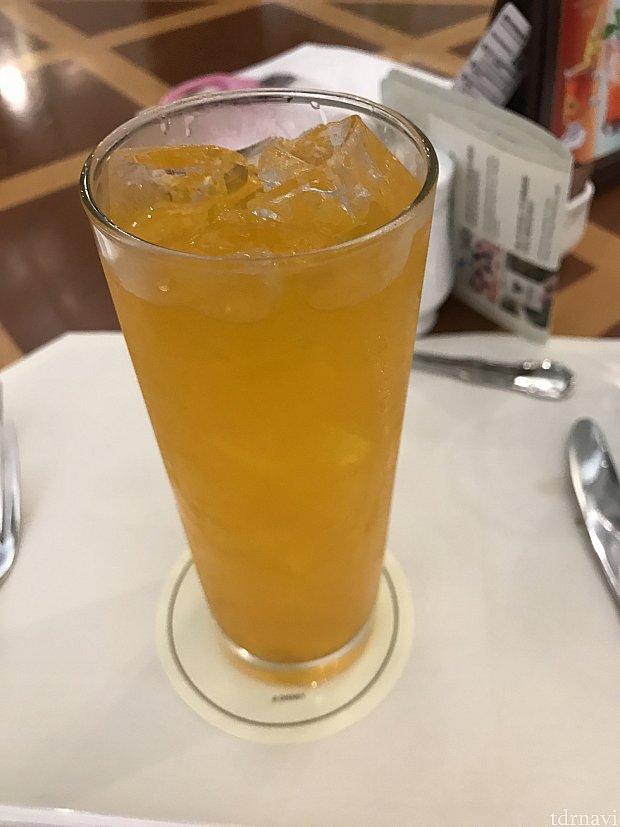 無料ドリンク付きの予約でしたので、ファンタオレンジをお願いしました!