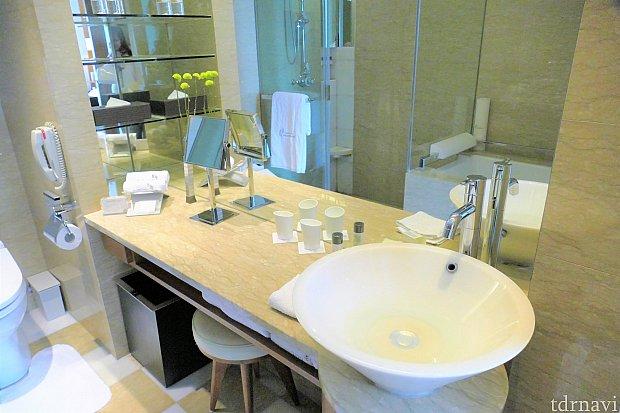洗面所です♪とてもきれいで、アメニティーもたくさん!
