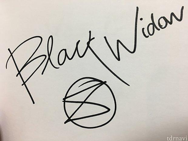 ブラックウィドウのサイン!ブラックウィドウのシンボルマークも書いてくれました♪