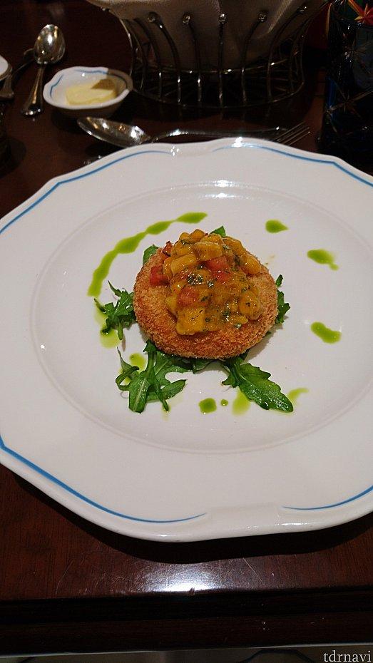 蟹餅配芒果沙沙(Crab Cake Topped with Mango Salsa)