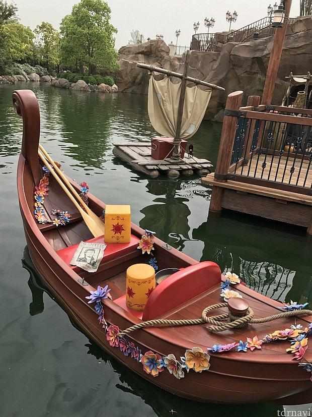 出口にはラプンツェルのボートが!