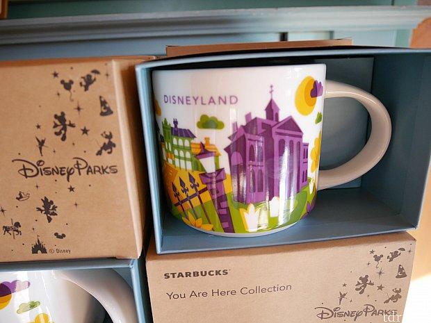 【アナハイムのマグカップ】 アナハイムのディズニーランドで売られているyou are hereのマグカップはこちら!これの香港版が出たらぜひともほしい!
