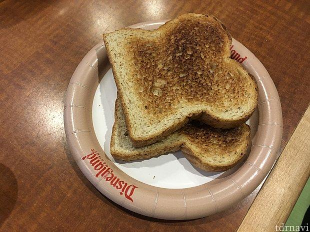 食パンは短時間でも結構よく焼けます。あぁ、バター欲しかった…
