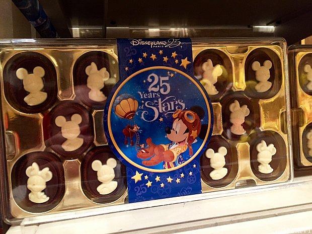 ちょっと凝ったキャラクター達のリリーフチョコレート。