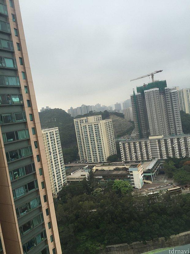 ランブラーガーデンホテル、エレベーターホールからの景色。