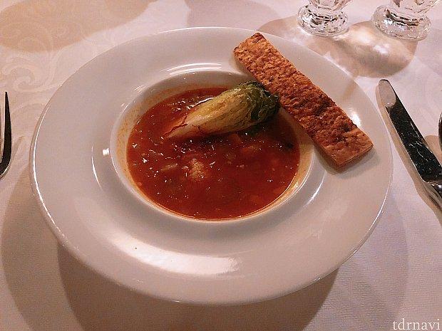 ベジタブルスープ、グリーンしーすのムース入り 美味しかったです