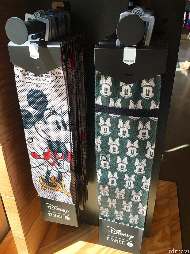 大人用の靴下は$20前後です。このミニー達はかなりオリジナルディズニーとそっくりに見えますが、これはギリOKという事みたいです。