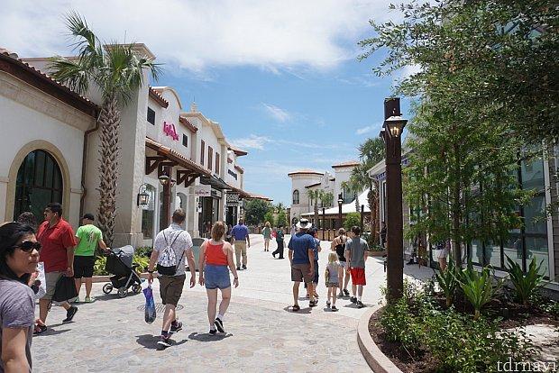 タウンセンター、マーケットプレイス、ウェストサイドの全てのエリアを合わせると、テーマパークと同じくらいの大きさになる広大な敷地面積。