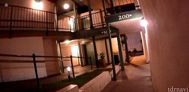 ホテルはビルではなく2階建ての横に長ーーーいホテルでした。笑