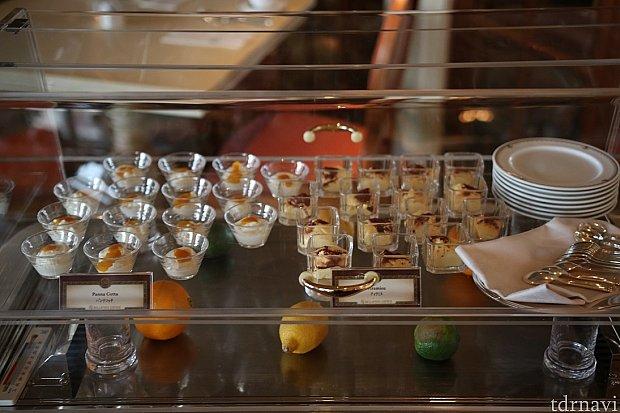 朝食のブッフェには嬉しいスイーツ系のデザートです。この日はティラミスとパンナコッタがありました♪