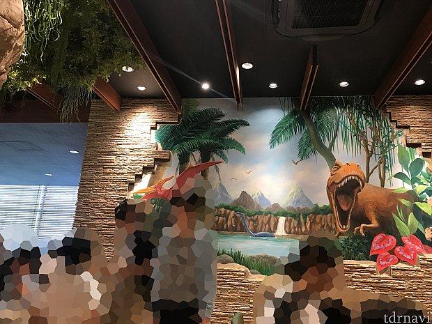 恐竜の壁画