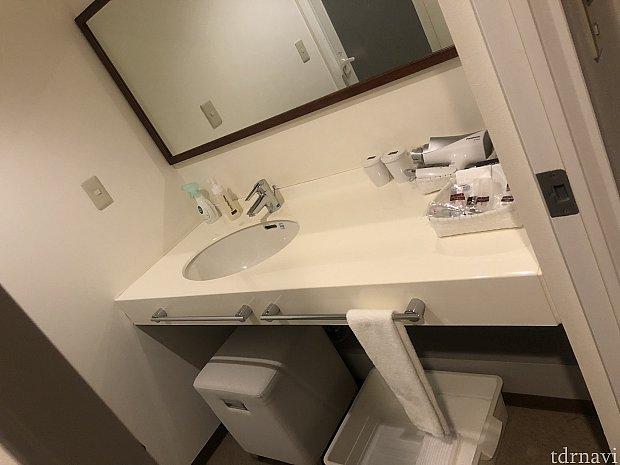 洗面所も広いです!