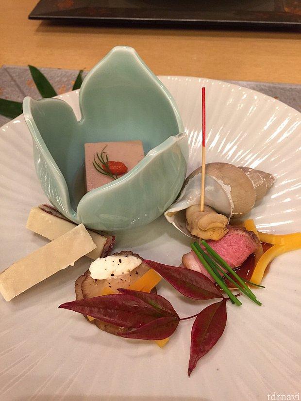 一の膳。 チップとデールの大好きな胡桃で作った胡桃豆腐。