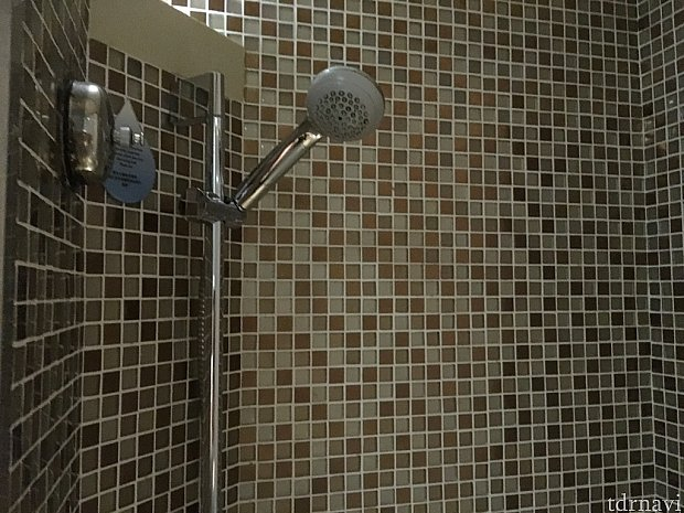 シャワーは水圧等々問題なかったです