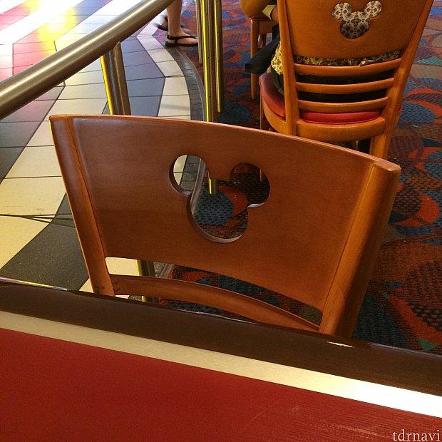 もちろん椅子も!