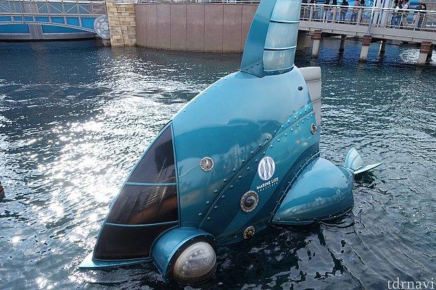 この潜水艇にも海洋生物研究所のロゴが付きました。