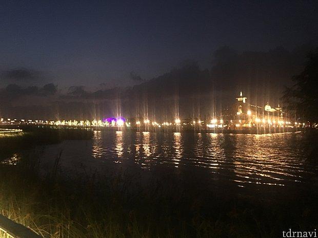湖を歩く羽目になって得られた景色です(^o^)