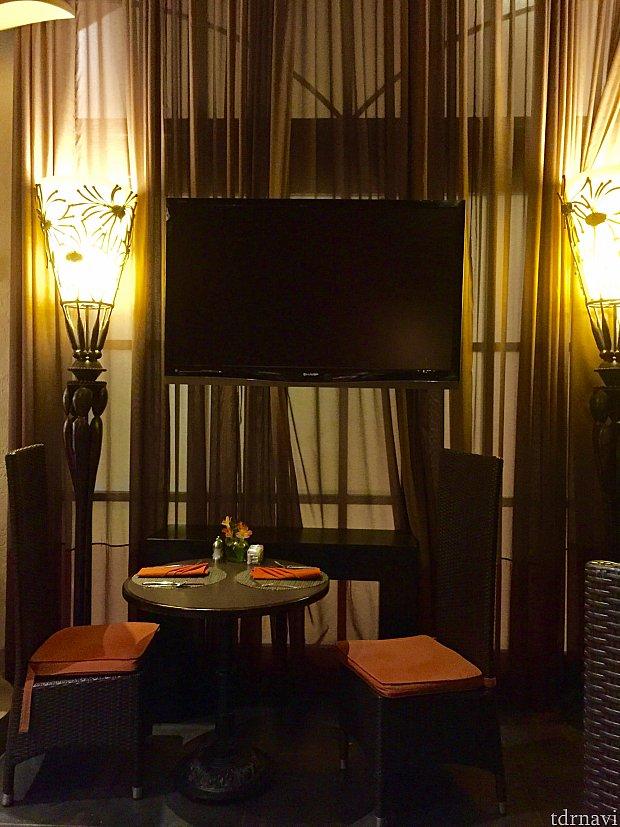 かなり小さなレストランでしたが、それがまた落ち着いた雰囲気を作っていて、そこがまた良いんですよね。