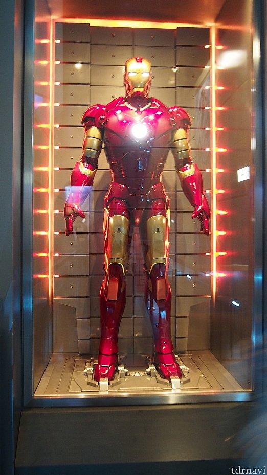 アイアンマンが飾られています。テンションが上がります!